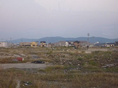 石巻, 牡鹿半島小渕浜でボランティア Japan Earthquake Recovery Volunteer at Oshika Peninsula, Miyagi pref. Deeply Affected Area by the Tsunami