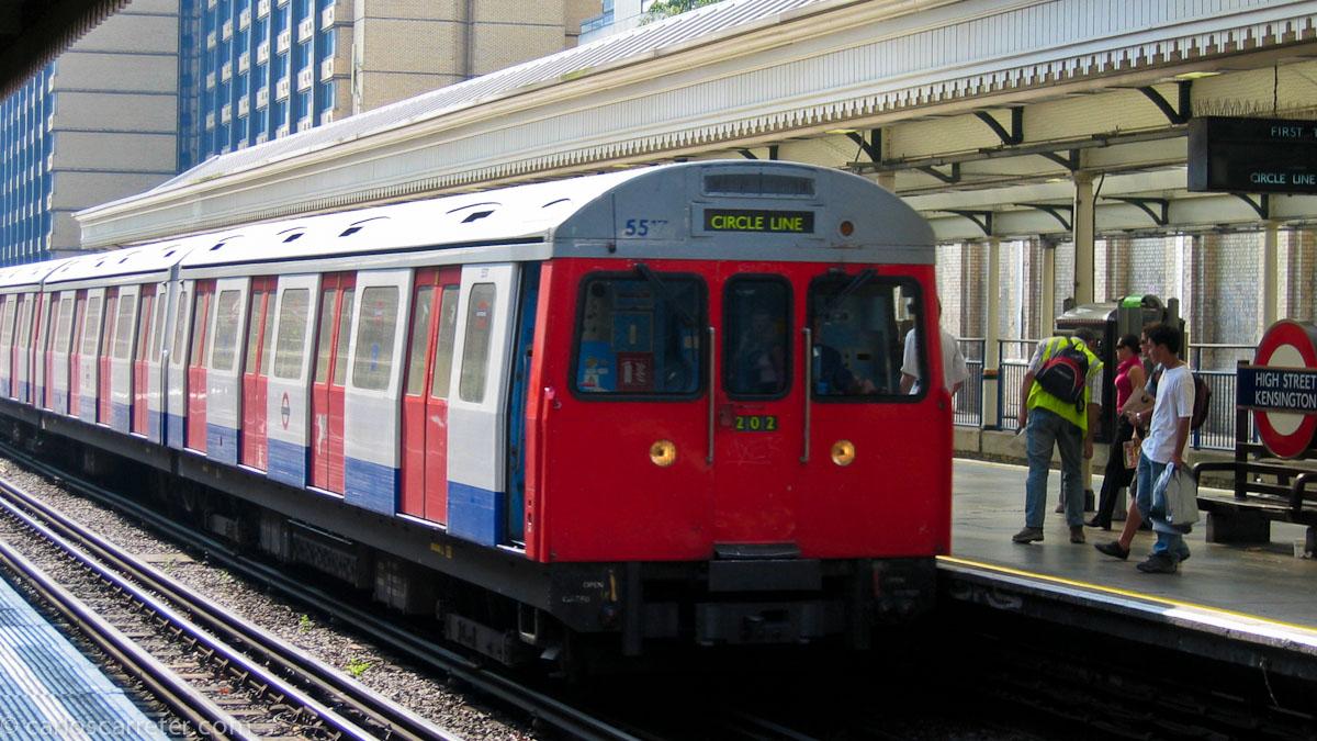 Metro High Street Kensington - Circle Line