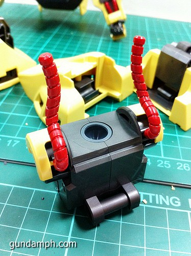 MG The-O PMX-003 Review OOB Build (32)