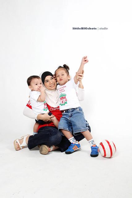 You'll Never Walk Alone | Family Studio Photographer Malaysia