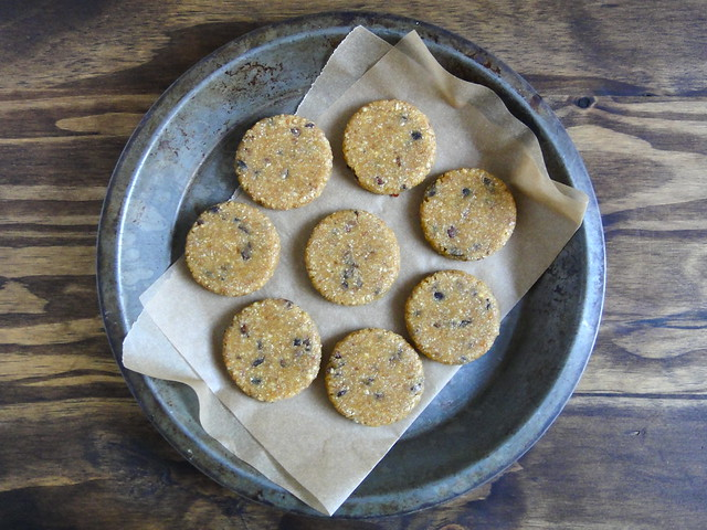 Raw pumpkin cacao cookies