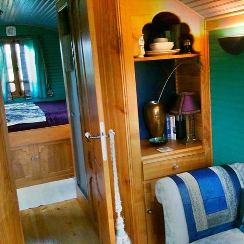 Interior by starrybluesky