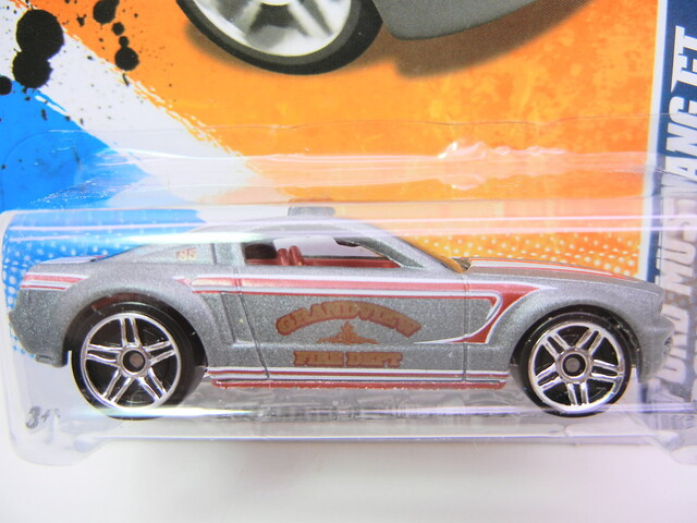 hot wheels ford mustang gt concept silver (2)