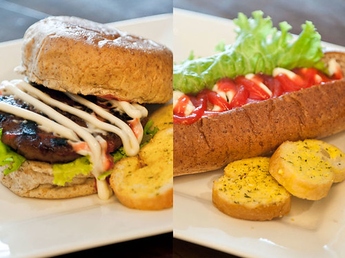 burger & hotdog