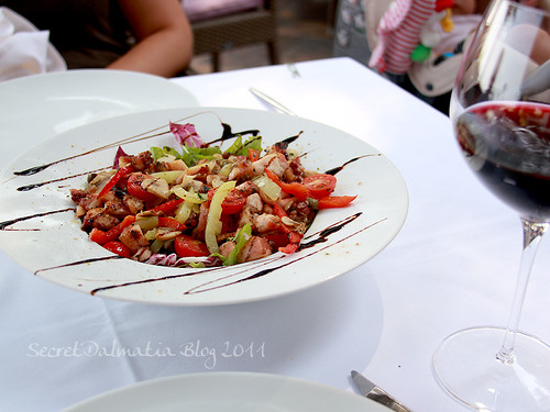 Croquant octopus salad - size for two!