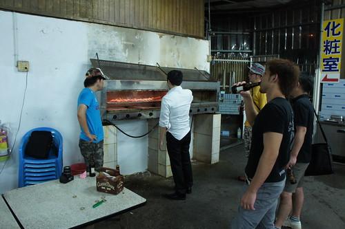 [台湾2.5] エビを焼く