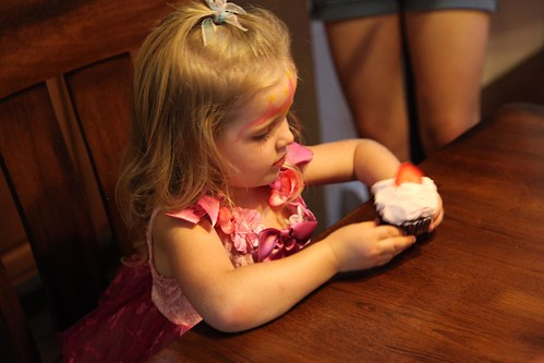 Selah, Checking Out Her Cupcake