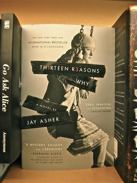 Jay Asher / Thirteen Reason Whi / Christian Fuenfhausen. Copertina (part.)