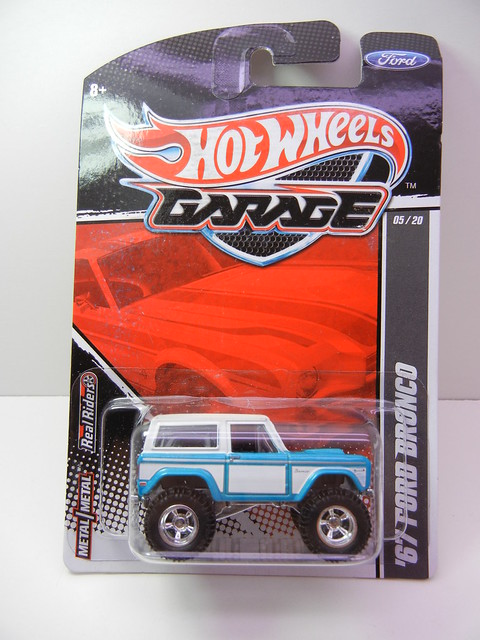 hot wheels garage '67 ford bronco (1)