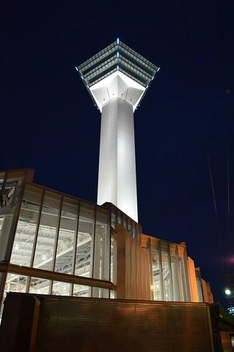 ライトアップされた五稜郭タワー