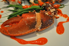 Detail: Lobster, banyuls, butter, cocoa, roe, green beans