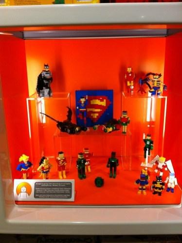 LEGO Brand Retail Costa Mesa Community Window - 1