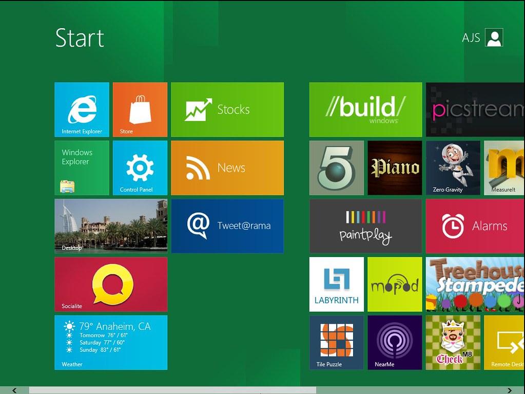 Windows 8 Preview Metro UI Start screen