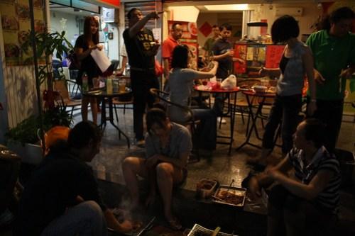 [台湾2.5] moon fes では町中でBBQ