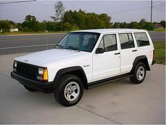 Jeep_Cherokee_R1