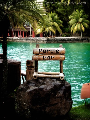 Parola Bar, Pearl Farm Beach Resort
