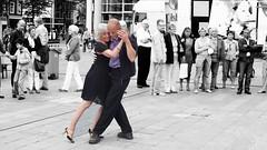 tango dansen op het Spuiplein
