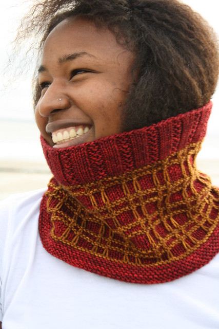 http://www.ravelry.com/patterns/library/tartan-cowl