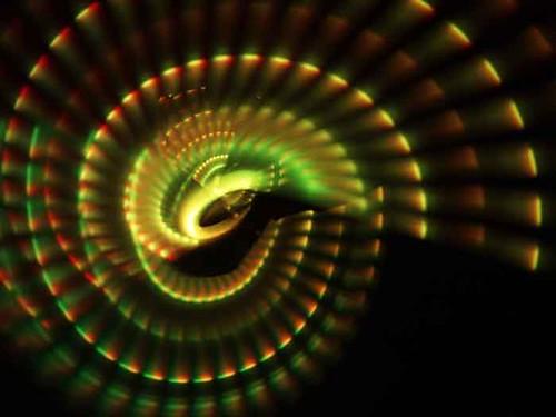 malabarista-con-luces-en-actividad