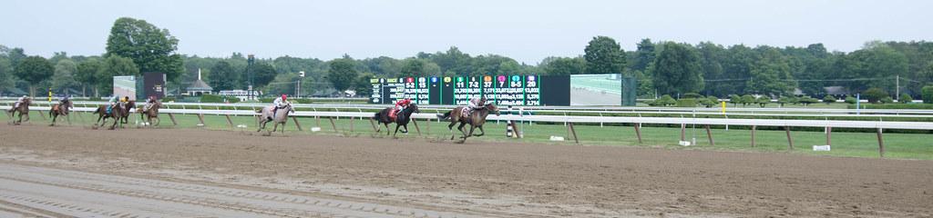 Horse racing at Saratoga