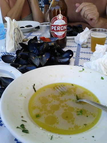 Mussel shells and the remains of a pepata di cozze