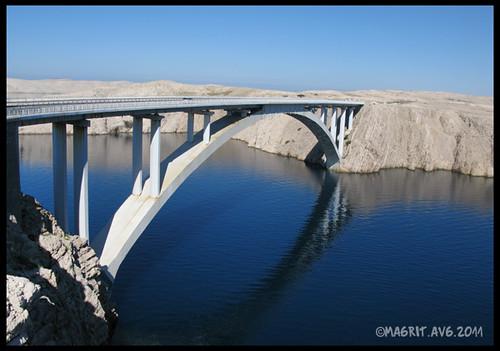 Paški most, ceo