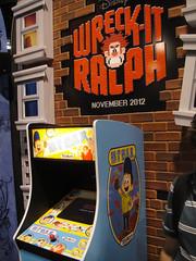 D23 Expo 2011 - Fix-It Felix Jr arcade game (W...