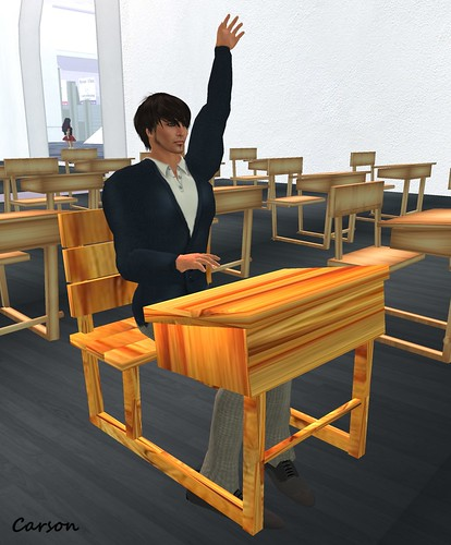 Evaki & Company - Back to School Uniform and Desk