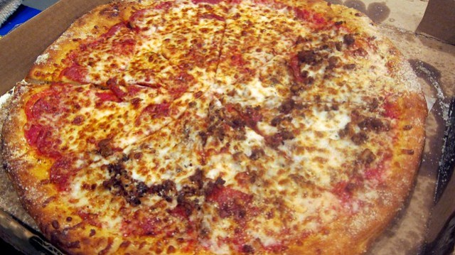 half and half pie at davincis pizzeria