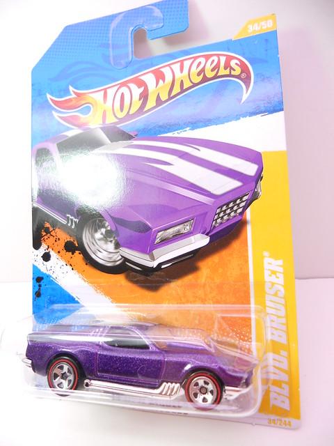 hot wheels blvd. brusier purple (1)