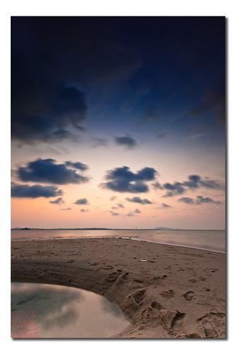 Dawn @ Changi Beach by Dad Bear