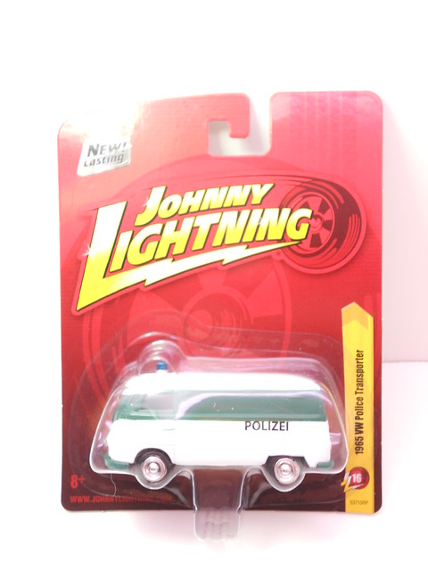 johnny lightning 1965 vw police transporter (1)
