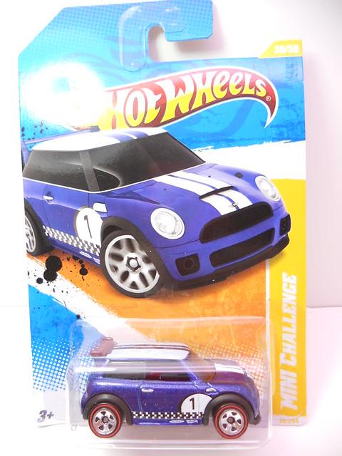 hot wheels mini challenge blue (1)