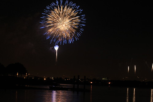 Sea World Fireworks-9/4/11 by InkSpot's Blot