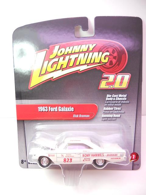 johnny lightning 2.0 1963 ford galaxy (1)