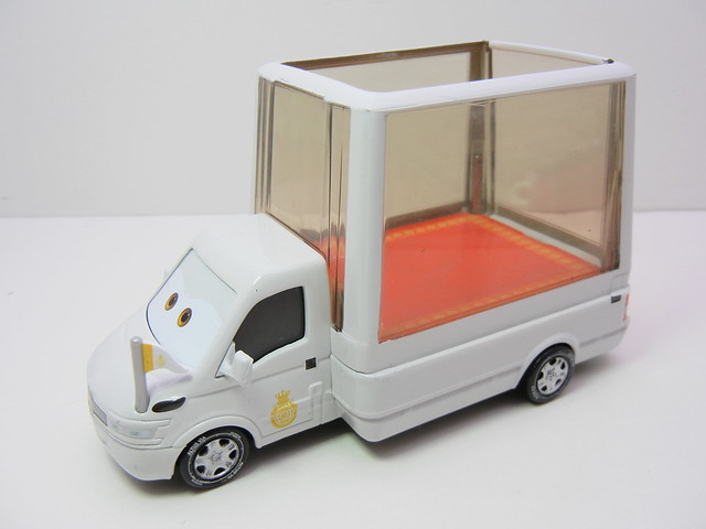 disney cars 2 pope and popemobile loose (2)