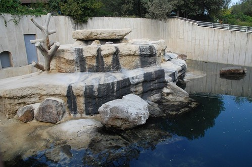 Alte Eisbärenanlage des Zoos de La Palmyre
