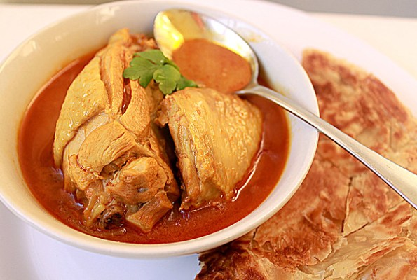 chicken curry rendang with roti canai
