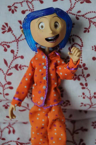 Figurita de Coraline by Endlesss