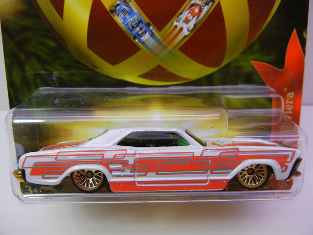 2011 hot wheels holiday hot rods '64 buick riviera (2)