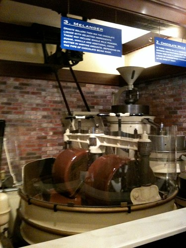 chocolate process at ghirardelli shop