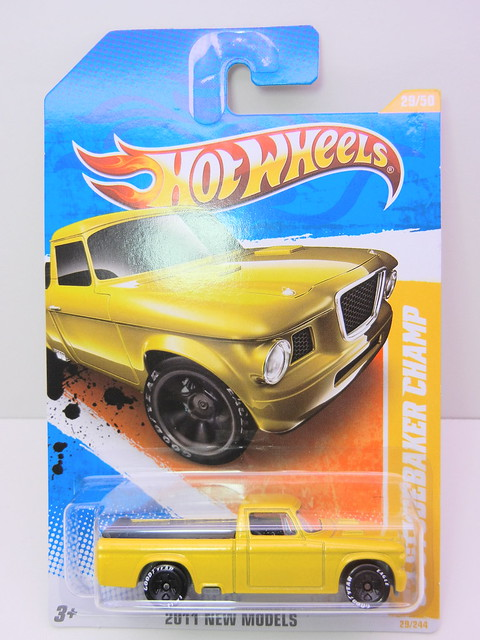 hot wheels '53 studebaker champ yellow (1)