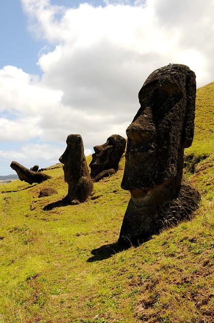 Varios Moai
