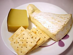 Brie de meaux, comte and Meiji crackers