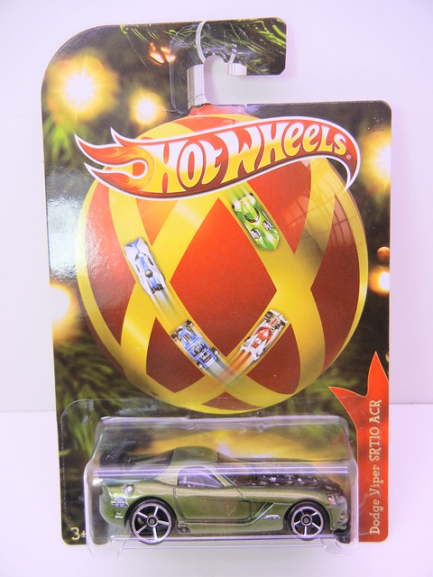 2011 hot wheels holiday cars dodge viper srt 10 acr (1)