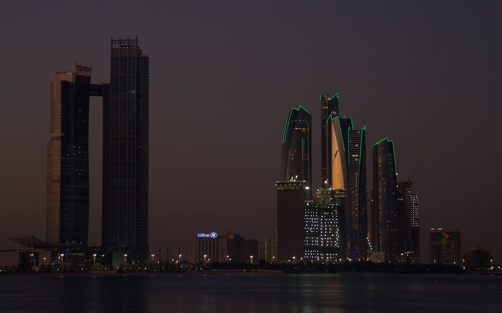 ABU DHABI | Etihad Towers (5 towers) | 218m - 305m | 715ft - 1001ft | 56-79 fl | T/O - Page 20 - SkyscraperCity