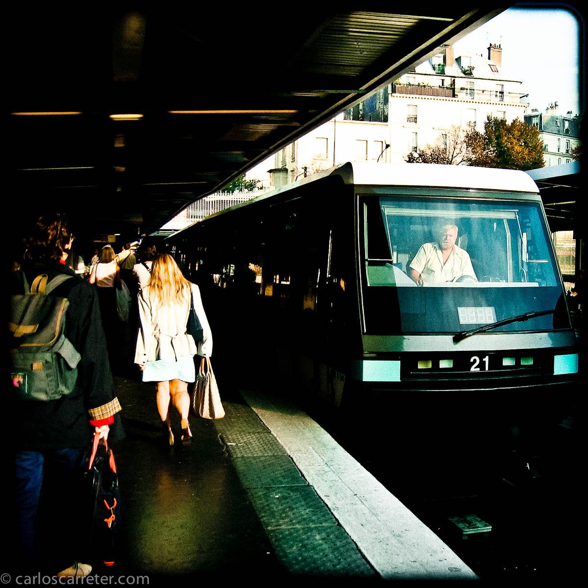 Metro Quai de la Rapée