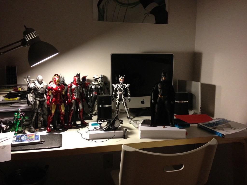 Desk: October 2011