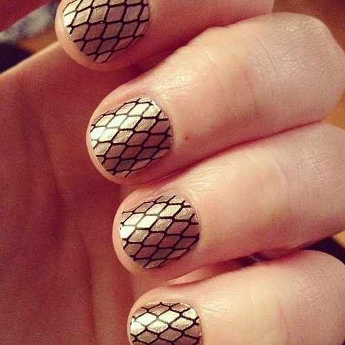 New nail polish strips