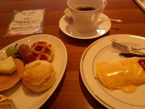 110930-breakfast